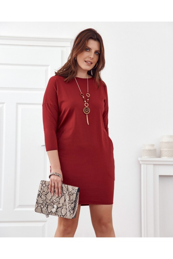Bordinės spalvos plius dydžių suknelė