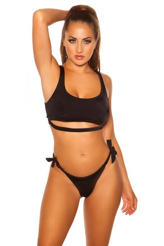 Raudonos spalvos trijų dalių kostiumas FI640