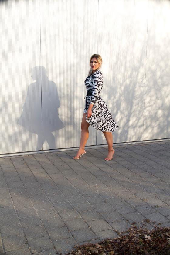 Rožinės spalvos suknelė 64632_205131