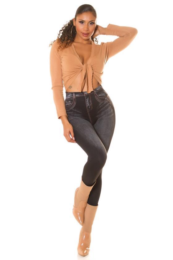 Raudonos spalvos laisvalaikio kostiumėlis_208704