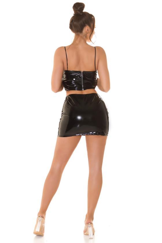 Elegantiška juoda suknelė su V formos iškirpte
