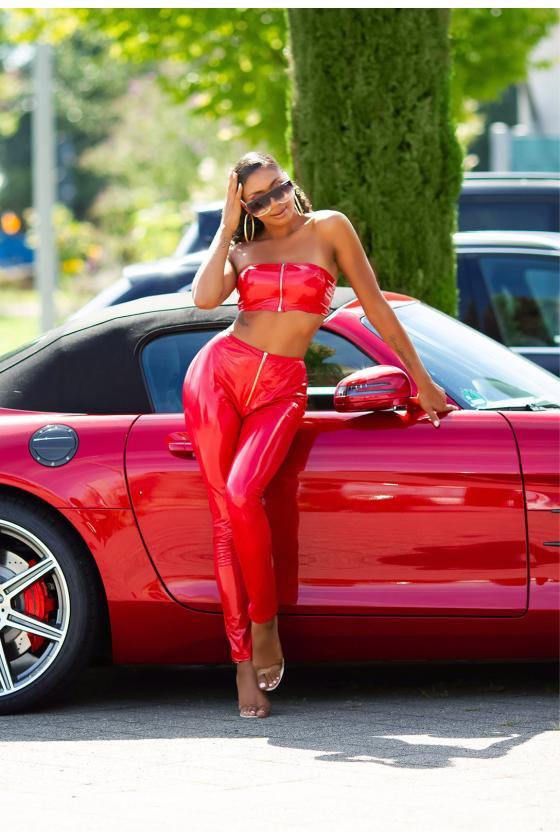 Koralų spalvos suknelė su dekoratyvia juostele_209142