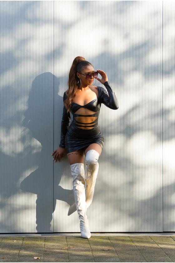 Juodos spalvos džinsai aukštu juosmeniu