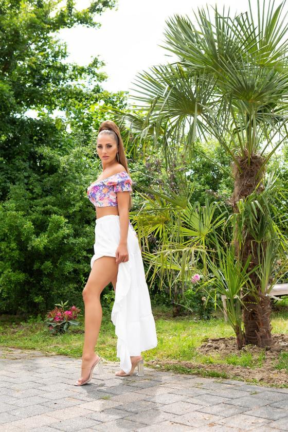 Žavi geltonos spalvos ties liemeniu surišama suknelė