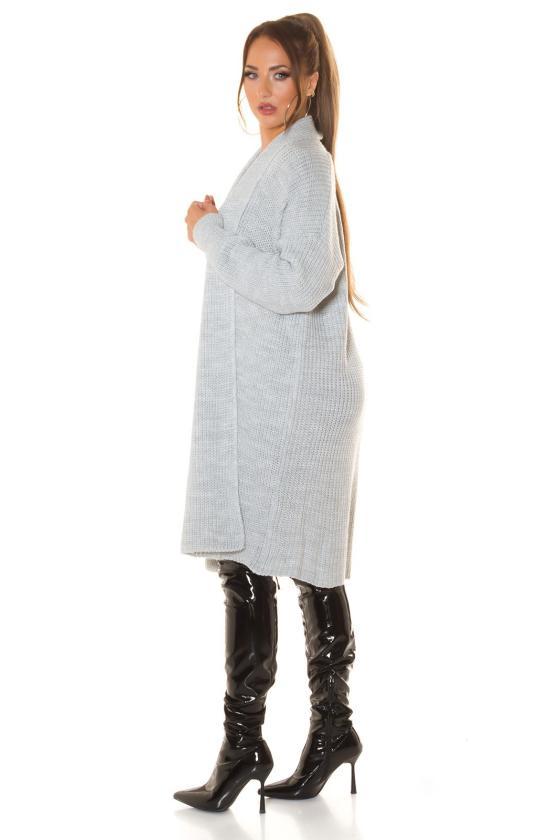 Laisvo modelio žydra suknelė dekoruota su auksiniais raštais
