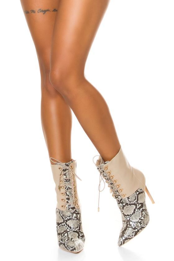 Baltos spalvos dviejų dalių kompletas kepurė+šalikas