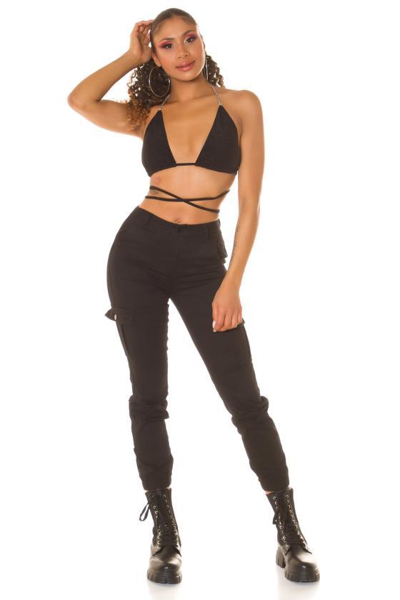 Juodos spalvos suknelė su praskiepu