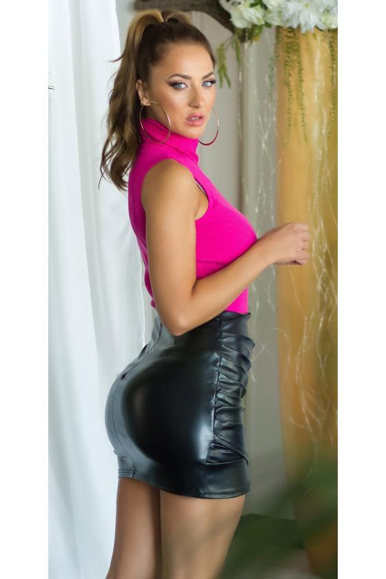 Raudonos spalvos veliūrinė laisvalaikio suknelė