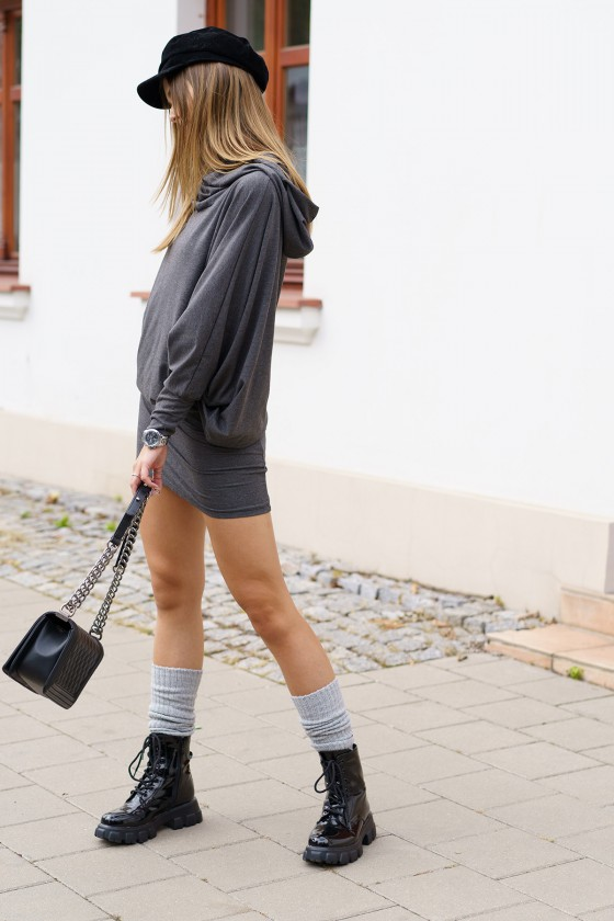 Grafito spalvos oversize modelio suknelė_242146