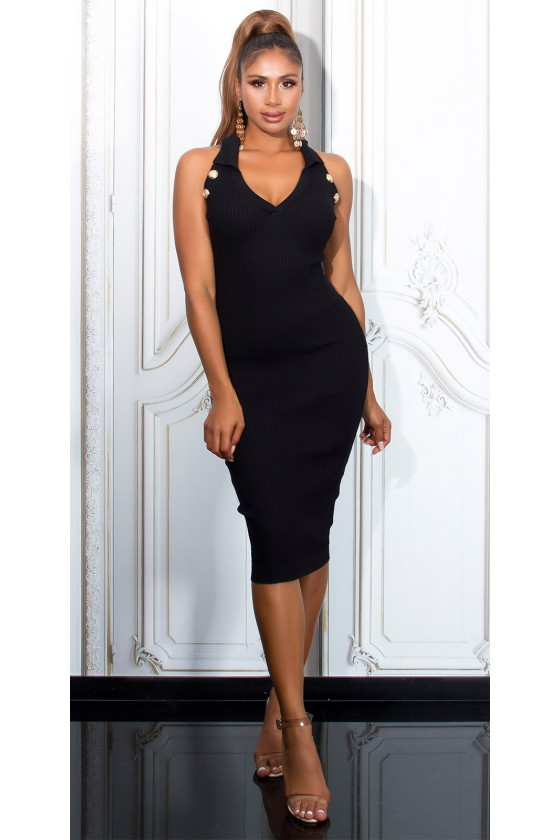 Juodos spalvos aptempta megzta suknelė