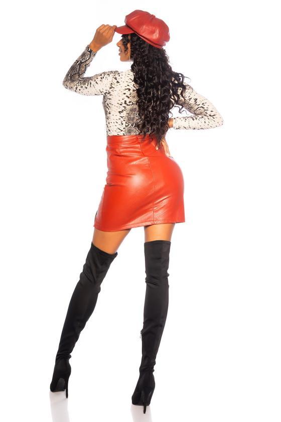 Raudonos spalvos mezgta suknelė su praskiepu_242357