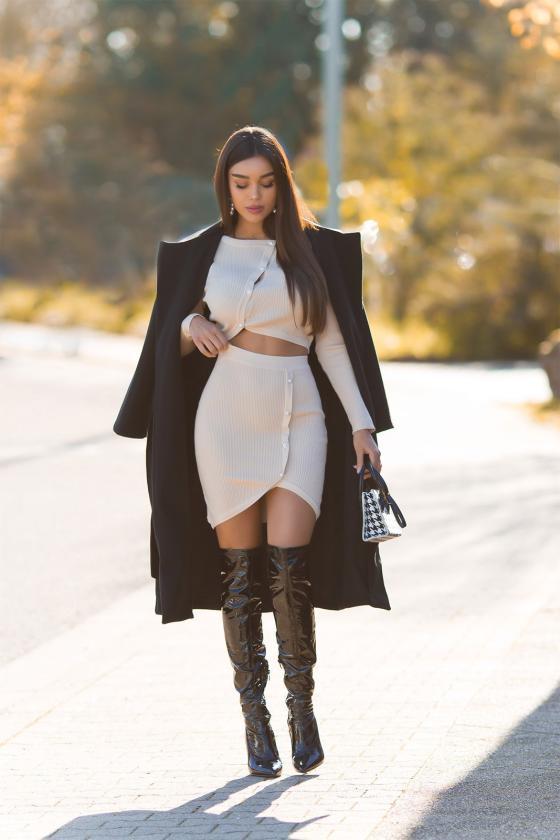 Žalia elegantiška midi suknelė su dailia iškirpte_242425