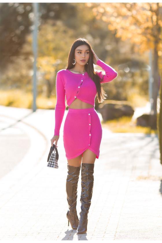 Elegantiška juoda suknelė su V formos iškirpte_242491