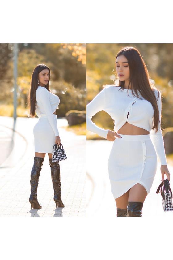Raudonos spalvos megztinis su elniais_242534