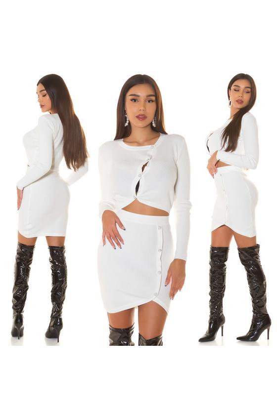 Raudonos spalvos megztinis su elniais