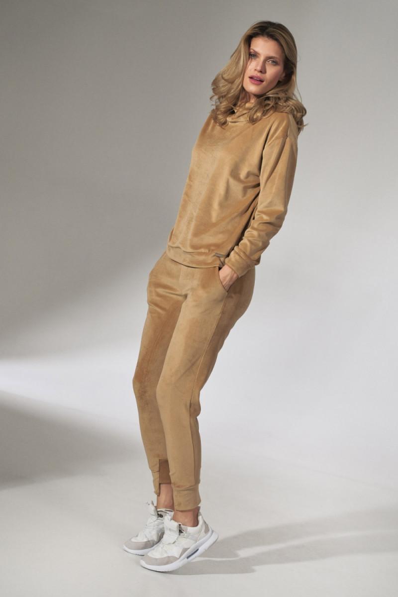 Balta gipiūrinė suknelė atvira nugara
