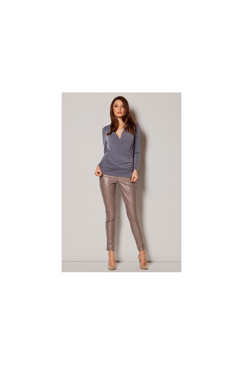 Elegantiška juoda suknelė su šleifu