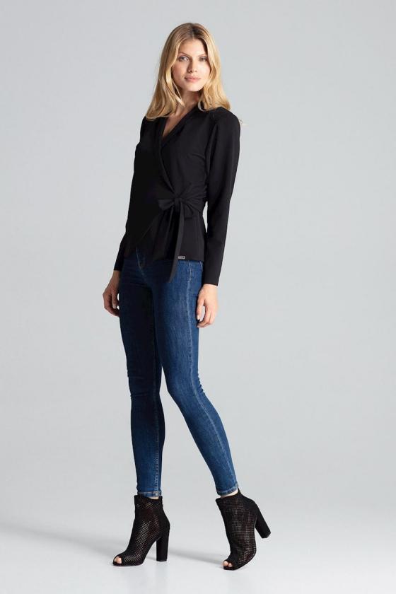 Prabangi raudona suknelė su tiuliu dekoruota žvyneliais