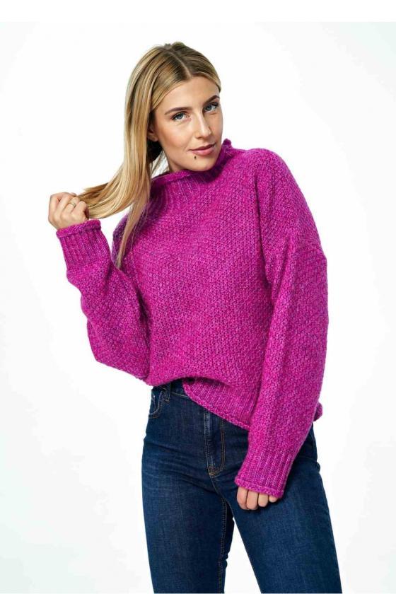 Ryškus orandžinis laisvalaikio kostiumas