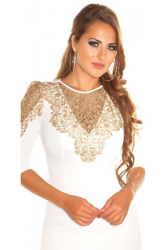 Baltos spalvos suknelė dekoruota nėriniais_57944
