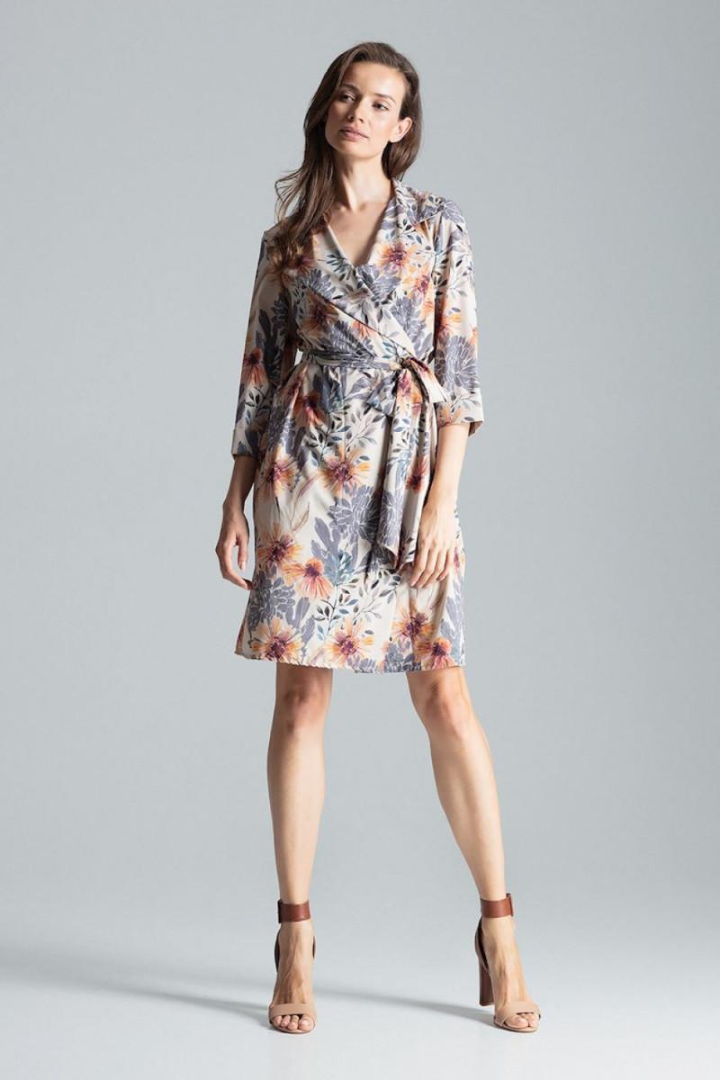 Vidutinio ilgio rožinė suknelė