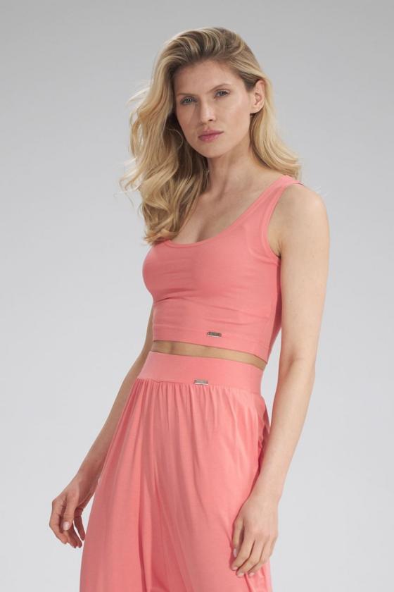 Dailus violetinės spalvos laisvalaikio kostiumas atvirais pečiais