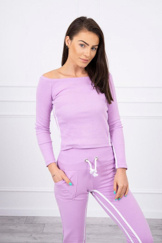 Dailus violetinės spalvos laisvalaikio kostiumas atvirais pečiais_58810