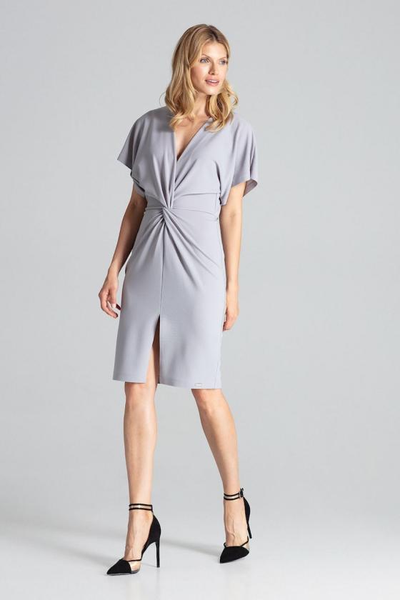 Pailginta violetinė suknelė su kapišonu