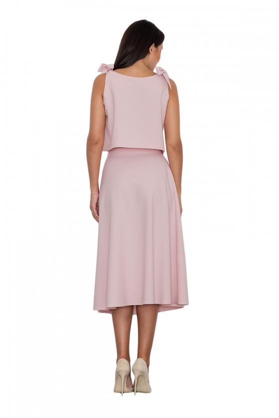 Klasikinė smėlio spalvos suknelė su dekoratyvia sagtimi_59048
