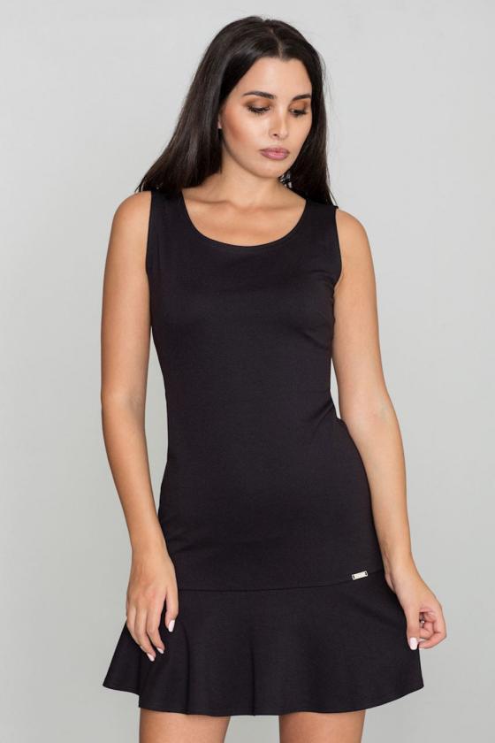 Klasikinė smėlio spalvos suknelė su dekoratyvia sagtimi