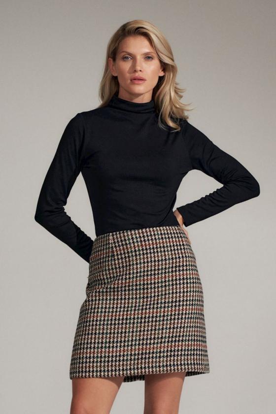 Juodas dviejų dalių kostiumas (palaidinė+sijonas)_59309