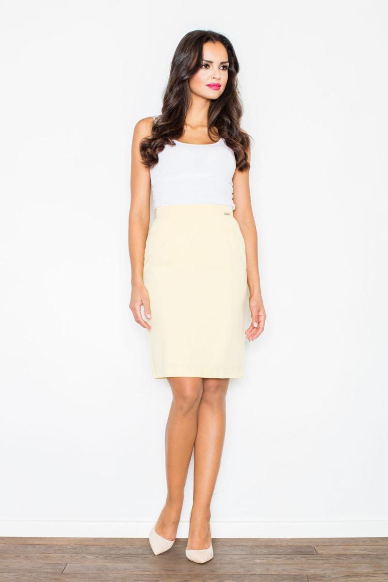 Elegantiška juoda suknelė plačiomis rankovėmis