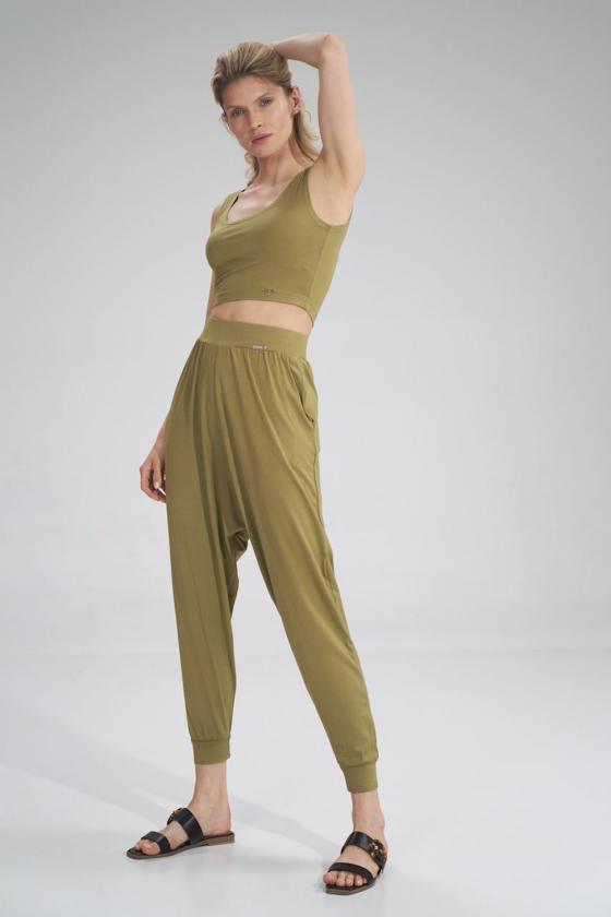 Raudonos spalvos voko stiliaus suknelė su dirželiu