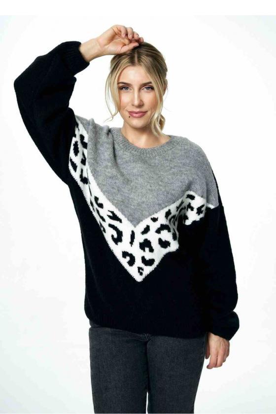Balta laisvalaikio  suknelė su kapišonu