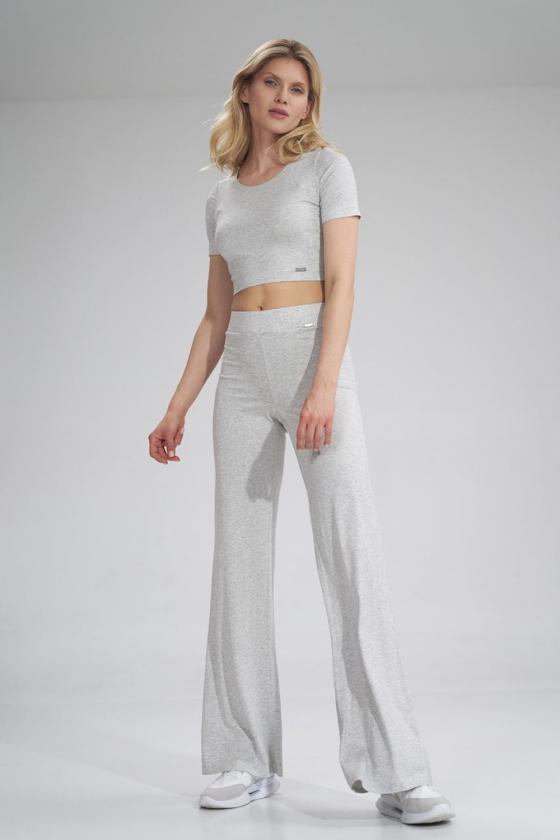 Stilingi žydri džinsiniai šortai