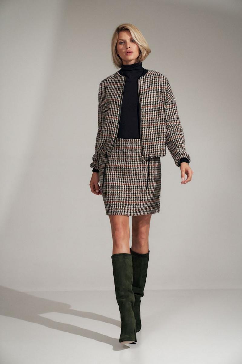 Elegantiška raudona suknelė su nėrinių intarpais_61276
