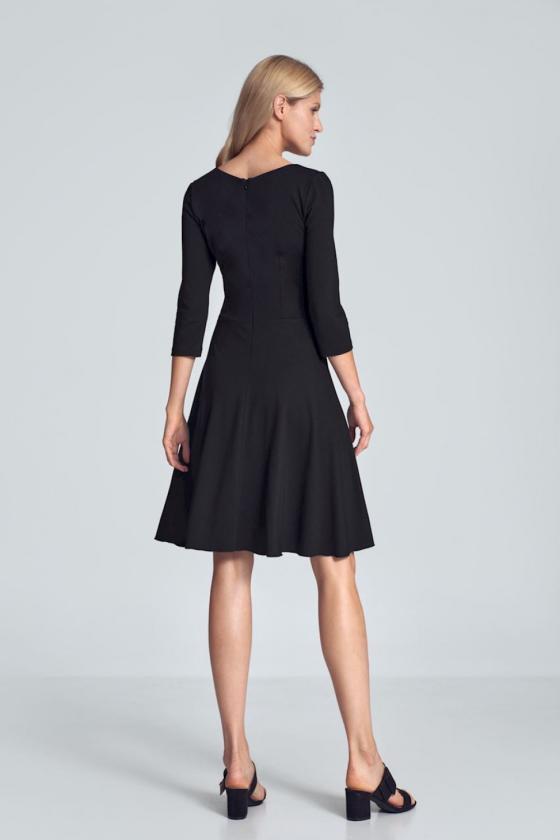 Rožinė raštuota suknelė ant vienos petnešėlės