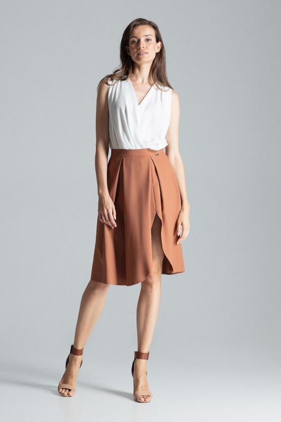 Chaki spalvos ilgesnio modelio šortai