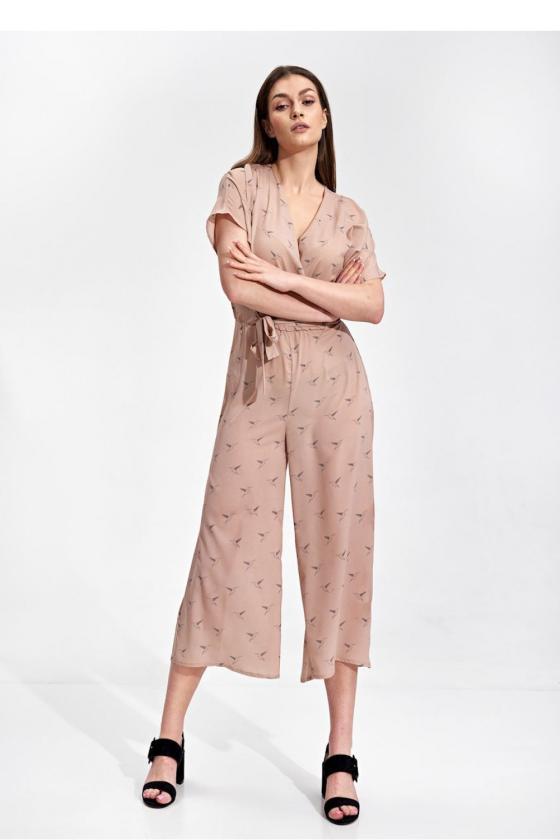 Balta ilga suknelė dekoruota perliukais_61899