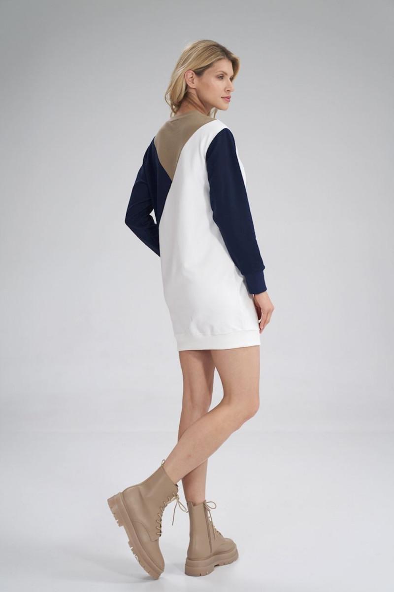 Ilga raudona suknelė su iškirpte nugaroje dekoruota žvyneliais