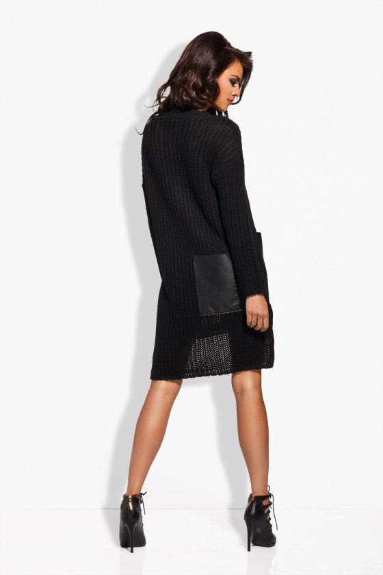 Megzta juodos spalvos suknelė su eko odos kišenėmis_61967