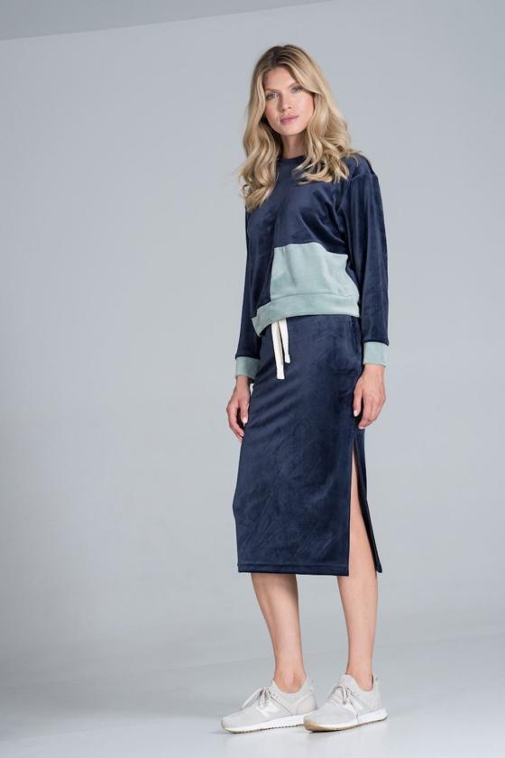 Ilgas smėlio spalvos megztinis su kontrastinga kišene
