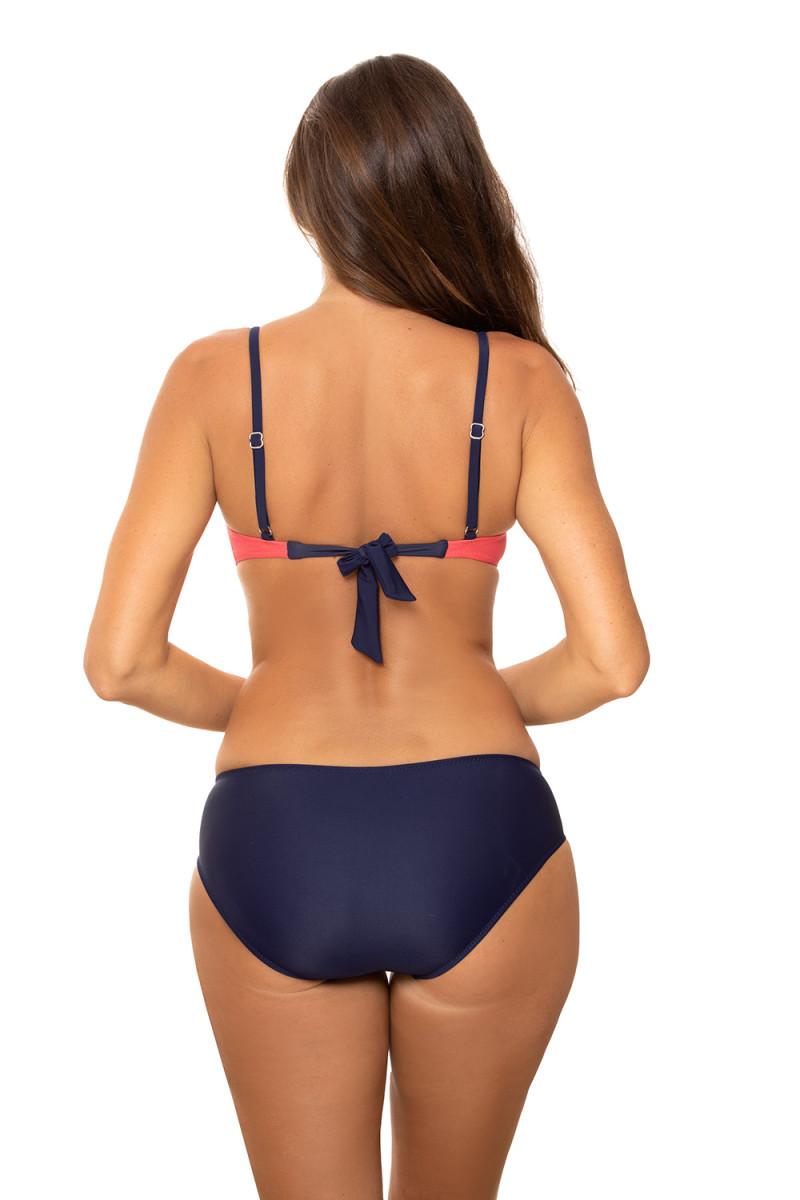 Elastinga baltos spalvos suknelė dekoruota sagomis_62281