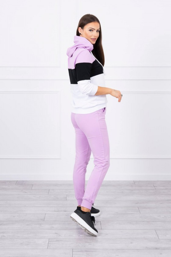Violetinis sportinis kostiumas dekoruotas juostomis_62711