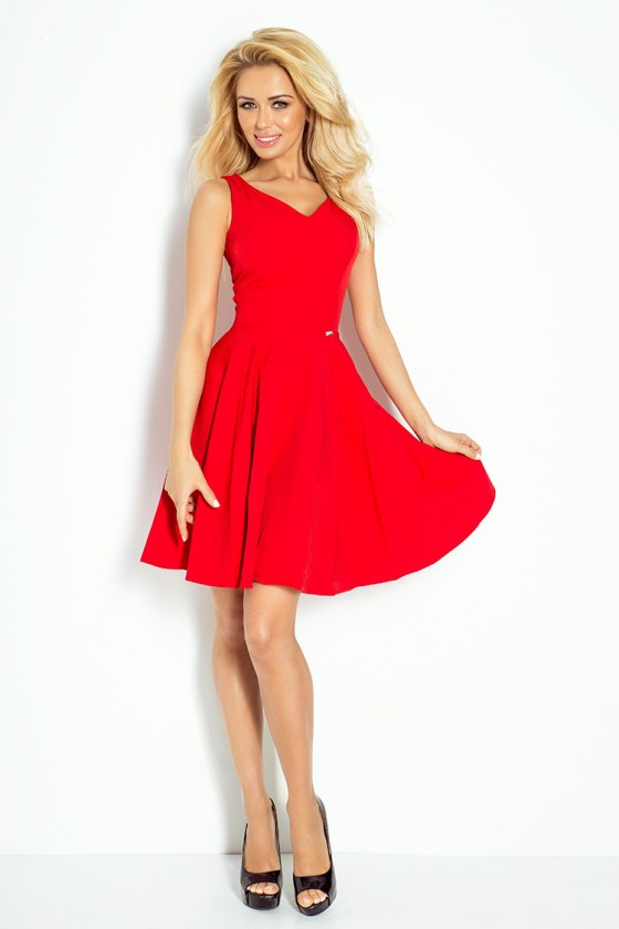 """Raudona """"skater"""" stiliaus suknelė su širdies formos iškirpte_62892"""