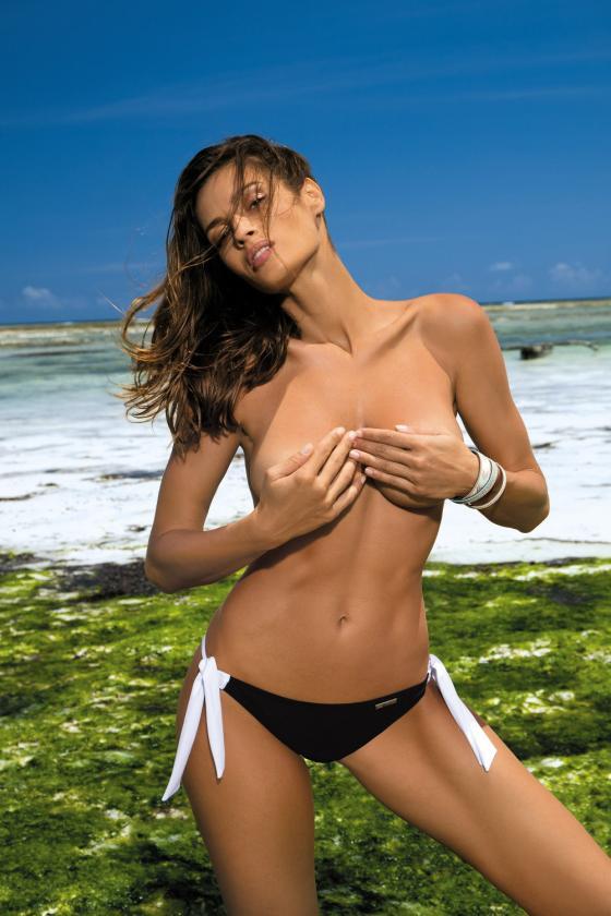 Elegantiška rausva suknelė su V formos iškirpte