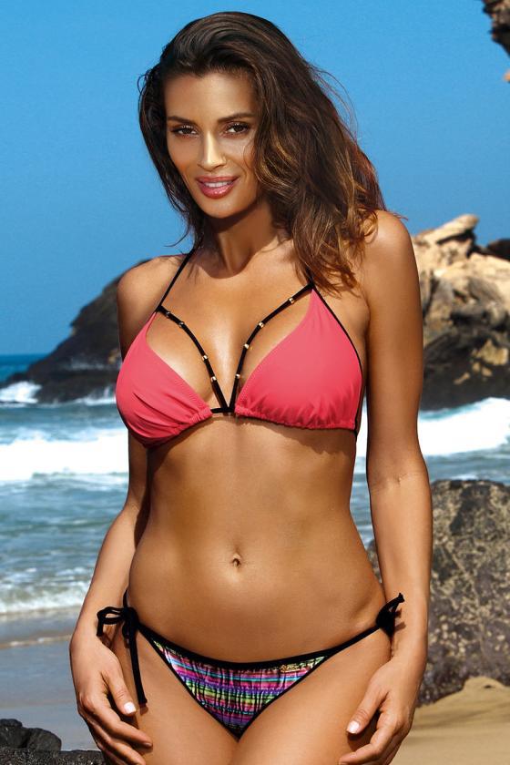Juodas bikinis su braziliško stiliaus kelnaitėmis_63269