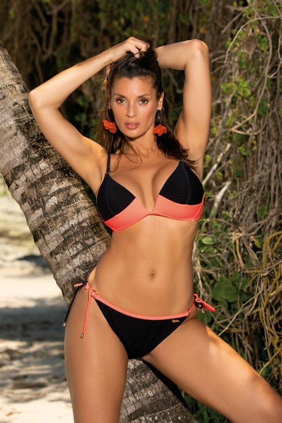 Laisvalaikio oranžinė suknelė su kapišonu